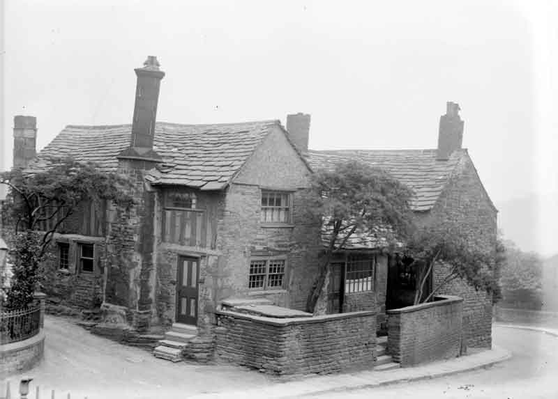 Old house in Almondbury